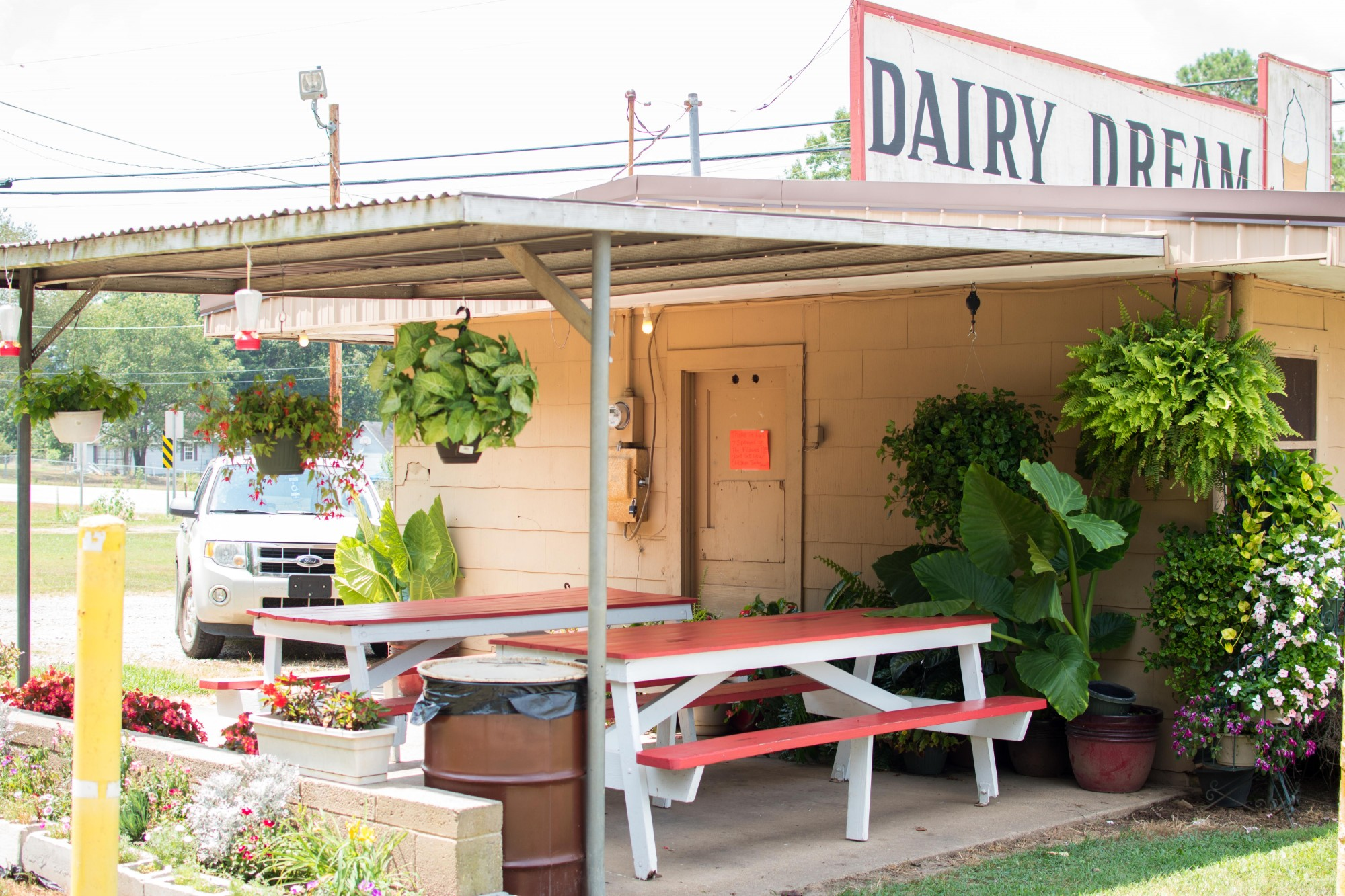 around arkansas dairy dream in mountainburg rock city eats